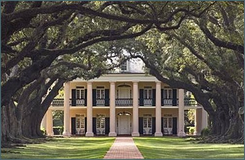 Vampire new orleans plantation mansion for Old southern style homes